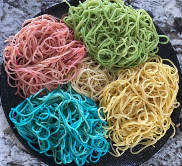 Espaguetis de colors amb Thermomix®