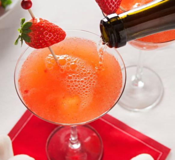 Como hacer cóctel de naranja, fresa y aroma de rosa con Thermomix®