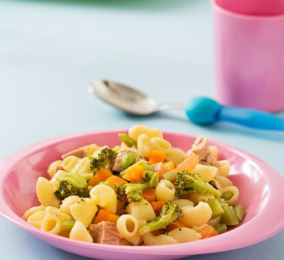 Como hacer pasta con verduras y atún con Thermomix®