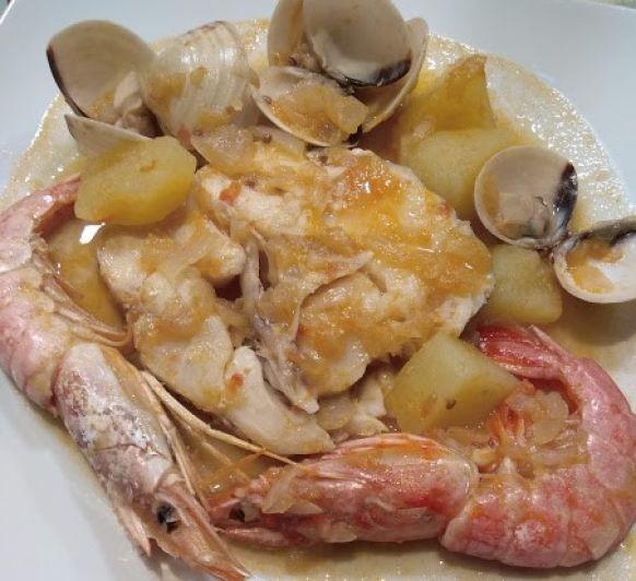 Zarzuela de pescados y mariscos fácil y deliciosa con Thermomix®