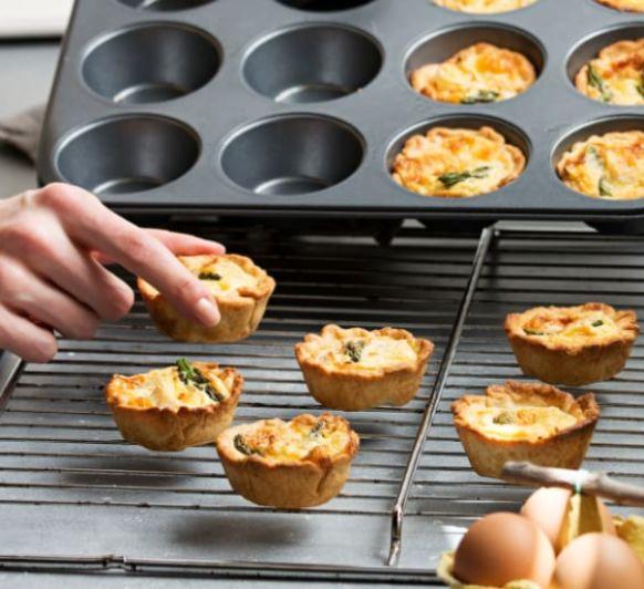 Como hacer miniquiches de espárragos y queso brie con Thermomix®